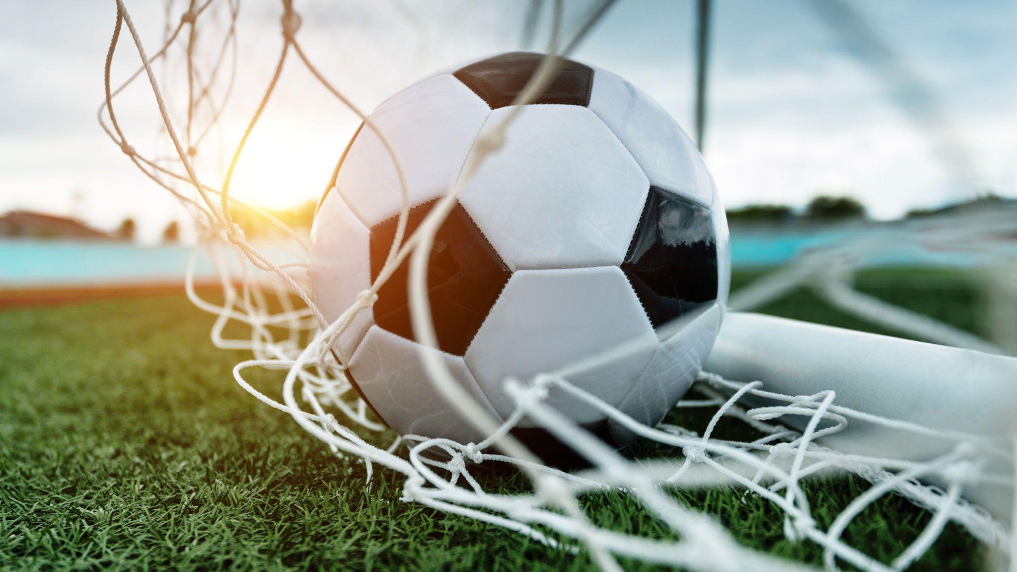 Ставки в футболе, как и в других дисциплинах бывают совершенно разные по степени риска. Каждая ставка относится к к одной из категорий оправданные и рискованные ставки